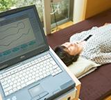 寝姿勢を測定